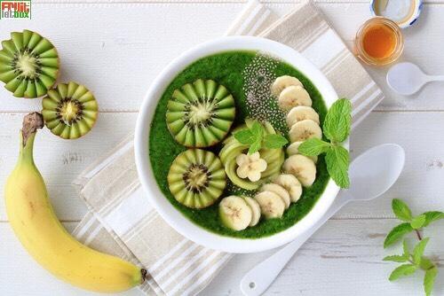 Frischer Spinat, Porree, Wassermelone und Leckere Kiwis erwarten euch diese Woche in der Fruitletbox-Classic.