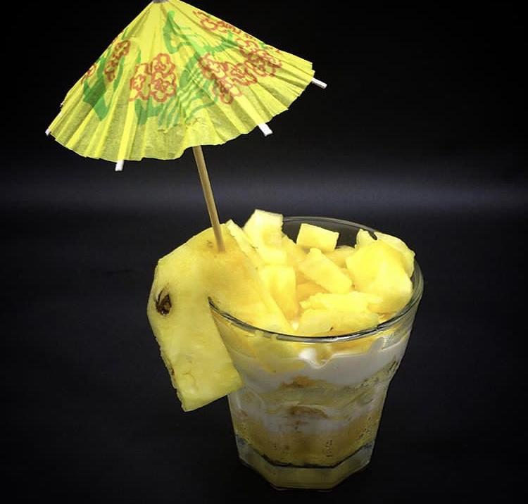 Fruchtiges Piña Colada Dessert